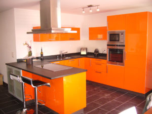Valcuisines - cuisine laquée orange brillant_L032